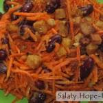 Салат из корейской моркови с фасолью и сухариками