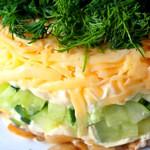 Швейцарский слоеный салат