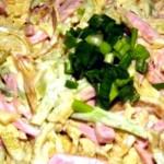 Салат с блинчиками из яиц и колбасой