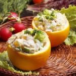 Необычный салат с курицей и апельсином