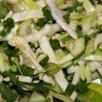 Салат из белокочанной капусты с огурцом