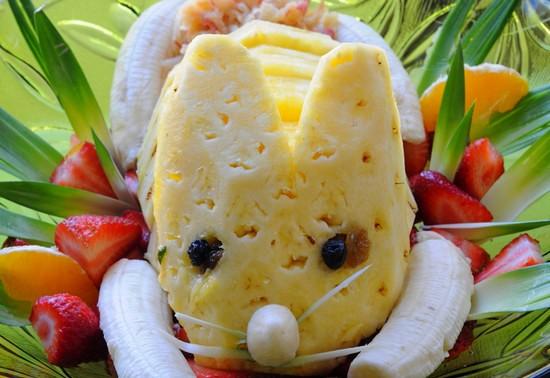 Пасхальный фруктовый салат Заяц