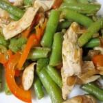Теплый салат с зеленой фасолью