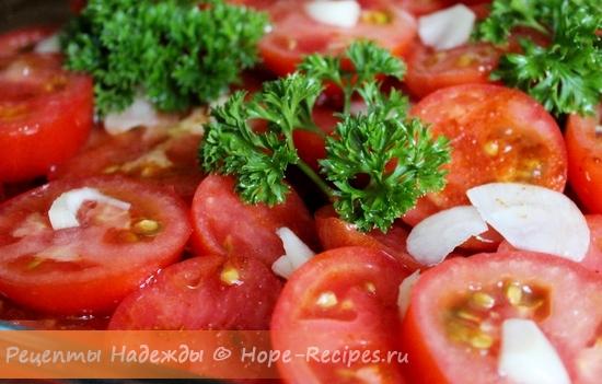 Простой салат из помидоров