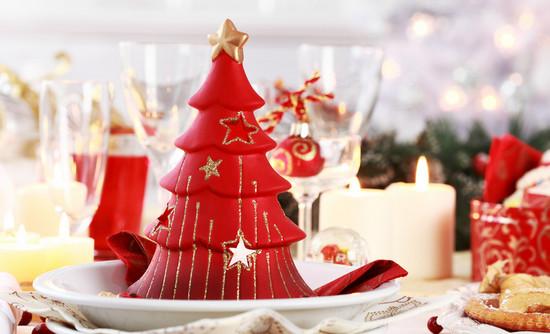 Сервировка и украшение новогоднего стола