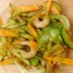 Легкий салат с зеленой фасолью и креветками