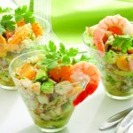 Салат с креветками авокадо и мандаринами