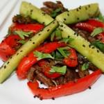 Мясной теплый салат с огурцами по корейски