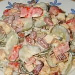 Очень вкусный салат с сухариками