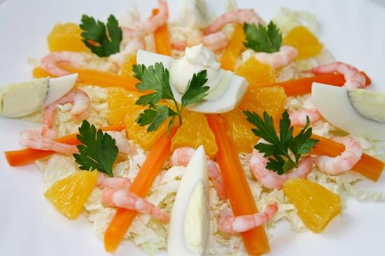 Салат из креветок с апельсинами