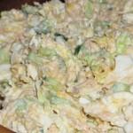 Салат нежный с горбушей и пекинкой