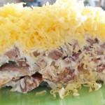 Салат с мясом и маринованными шампиньонами