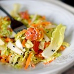 Салат с пекинской капустой и лососем