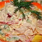 Салат с сыром, шампиньонами и сладким перцем