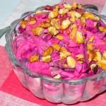 Свекольный салат с кальмарами и орешками