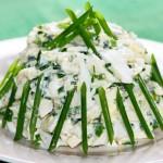 Вкусный салат с кальмарами и капустой