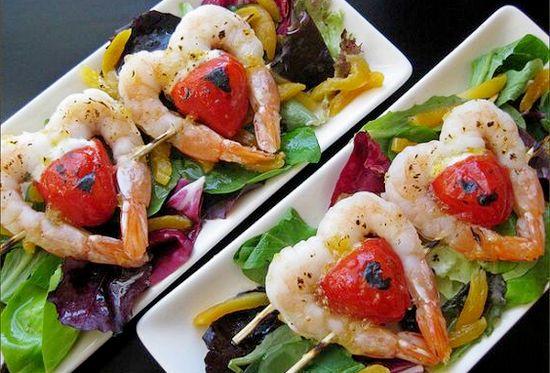 Салат с креветками на день влюбленных