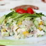 Классический салат из печени трески с огурцами и яйцами