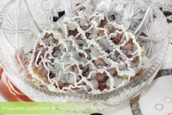 2 слой салата с сельдью